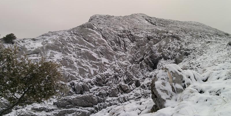 Vistazo al Pico Simancon